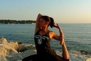 share-riviera-azure-yoga-2