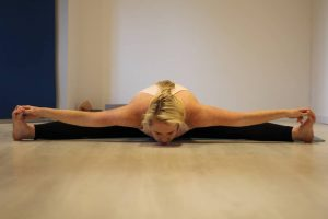 share-riviera-lucylou-yoga-3