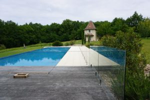 share-riviera-Glass Pool Fencing